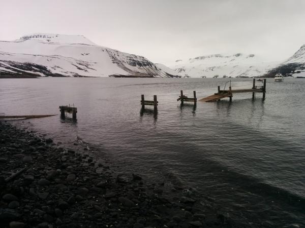 Hesteyri, Hornstrandir, harbour repair