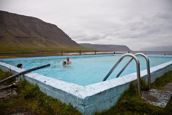 Reykjarfjörður, sundlaug