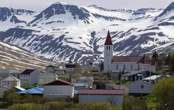 Siglufjörður_town.jpg