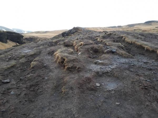 Skógaheiði, damaged walking paths