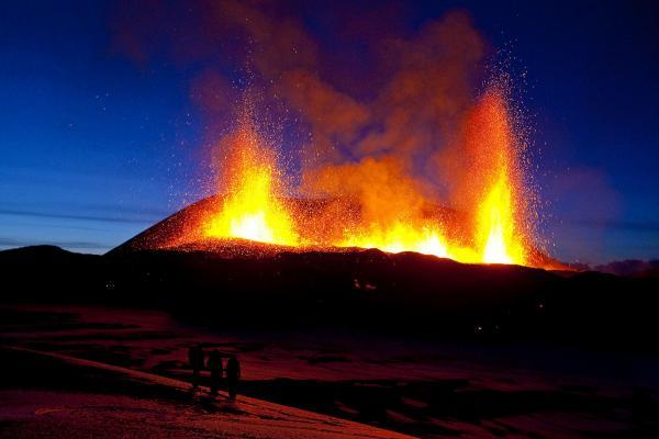 Eruption_Fimmvörðuháls.jpg