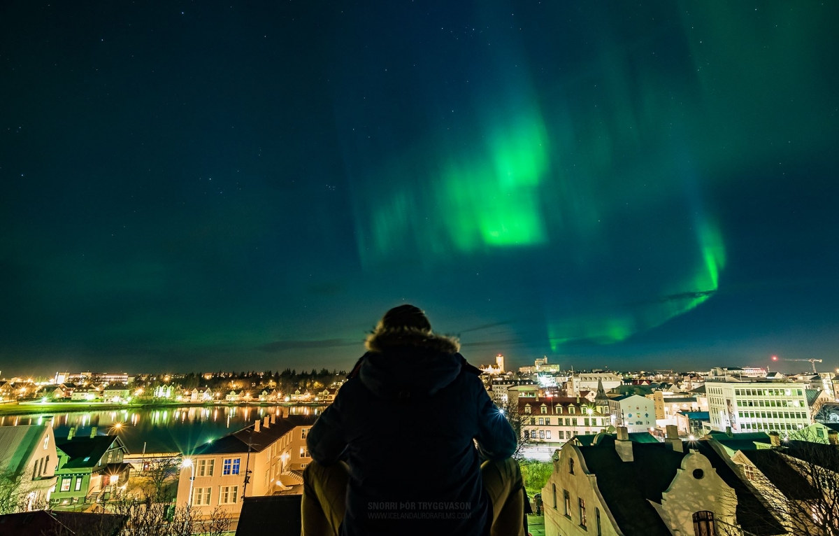 On A Rooftop In Downtown Reykjavík Local Photographer Snorri Þór Tryggvason  Shot This Amazing Photo Of Yesterdayu0027s Aurora From A Rooftop In Þingholtin  ...