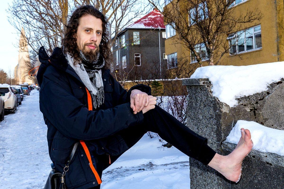 barefoot running   Icelandmag