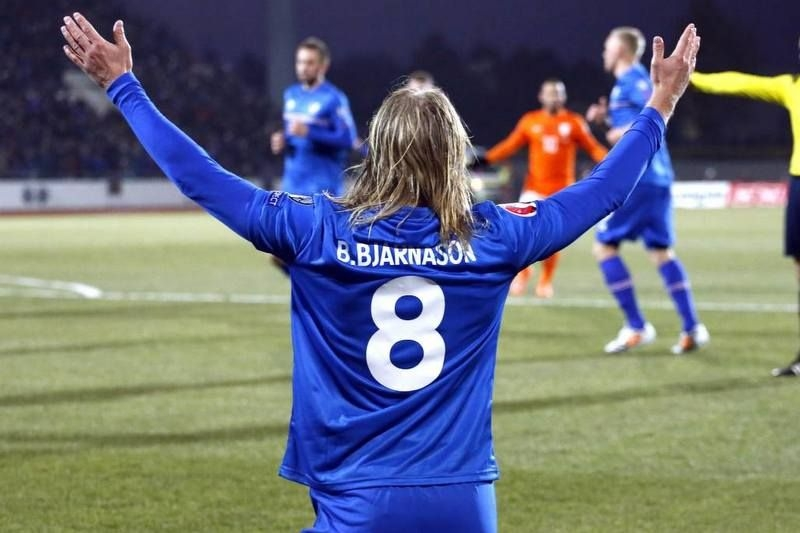 best sneakers 82907 1a10c Icelandic footballers chose to wear jerseys with their last ...