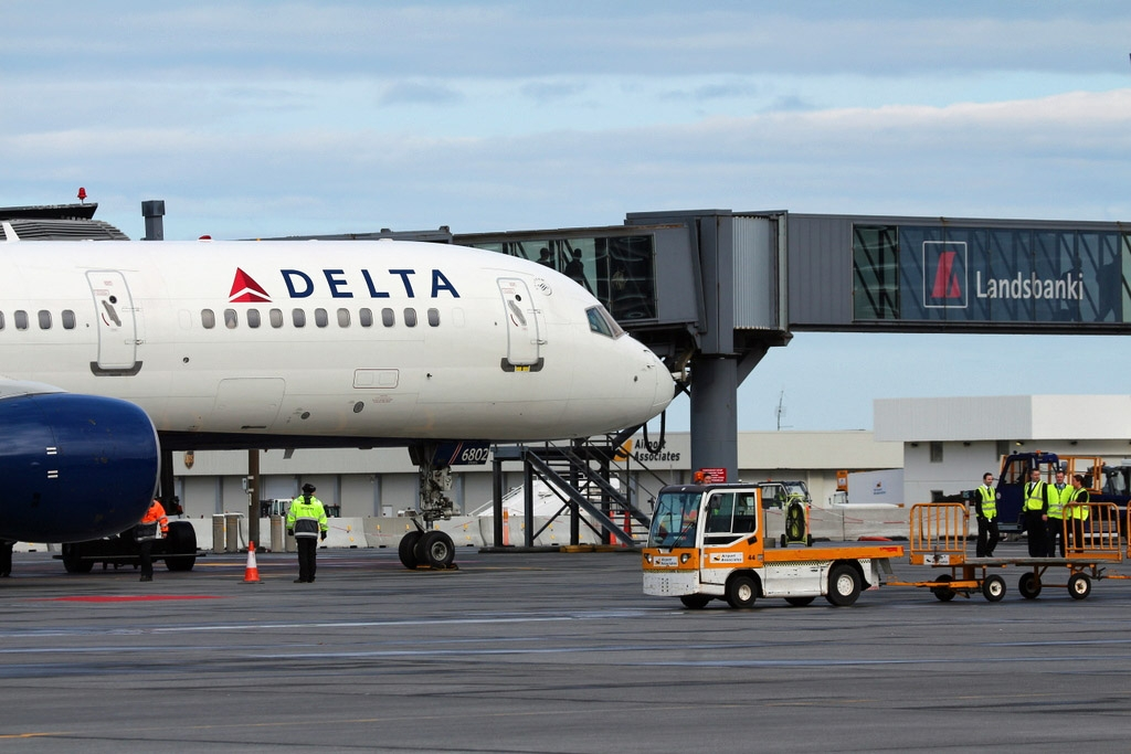 Flights icelandmag good connections this summer delta airline offers eight flights a week between keflavk international aiprort and new yorks jfk airport publicscrutiny Gallery