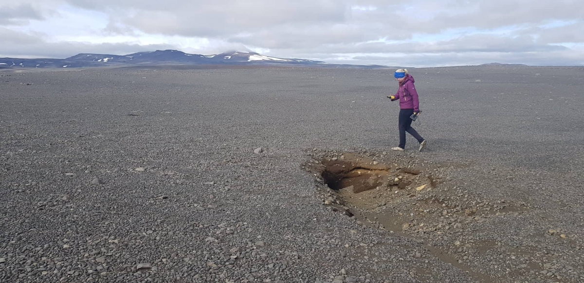 Cracks and sinkholes in Central Highlands connected to