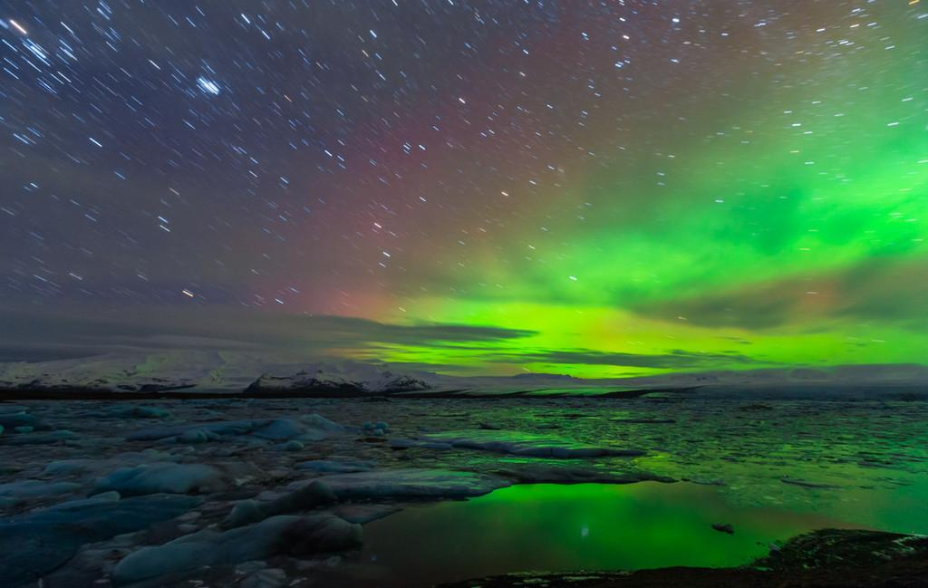 The Northern Lights Firing Up The Winter Sky Icelandmag