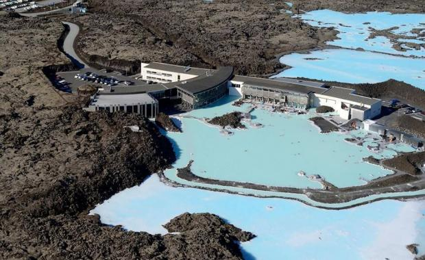 Wash Thoroughly Without Swimsuit Or How To Behave At The Geothermal Swimming Pools Icelandmag